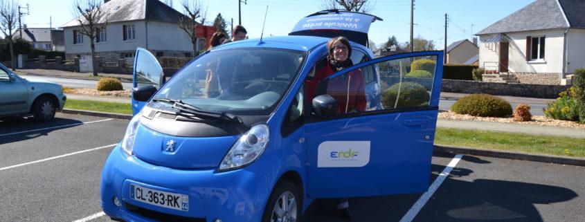 ERDF prête un véhicule électrique à la CCMA - Sabrina Monribot, chargée de mission TEPCV