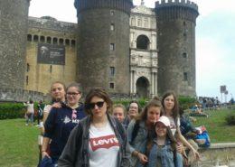 Devant el Castel Nuovo