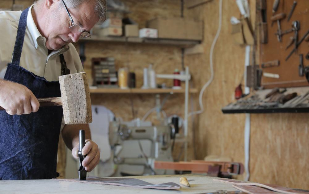 Atelier de travail du cuir © Le Pot au Lait